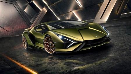 Lamborghini Sian — гибридный спорткар с мощностью 600 кВт, разгоном до сотни за 2,8 с, максималкой 350 км/ч и суперконденсаторами вместо батарей