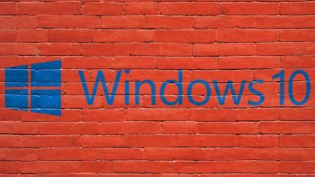 Рыночная доля Windows 10 впервые превысила 50%, но Windows 7 по-прежнему удерживает более 30%