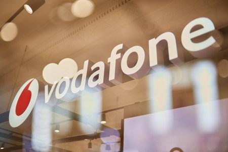 Vodafone Retail: В первые дни осени украинцы покупали преимущественно дешевые смартфоны, при этом средний чек за телефон составил 8877 грн, за гаджет — 1828 грн