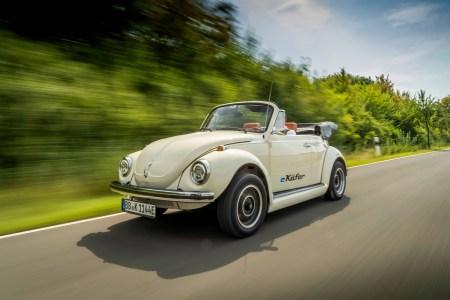 Volkswagen предложил владельцам классических Beetle трансформировать их автомобили в электромобили на основе компонентов VW e-up! (следующие на очереди Porsche 356 и VW Bus)
