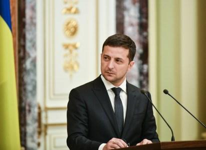 Президент подписал закон, откладывающий штрафы за управление автомобилями на еврономерах еще на 90 дней
