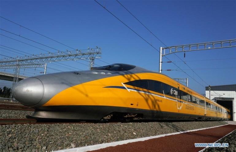 Китай готовится к открытию первой пассажирской автономной железной дороги. Правда, первоначально робопоезда будут ходить под присмотром машинистов