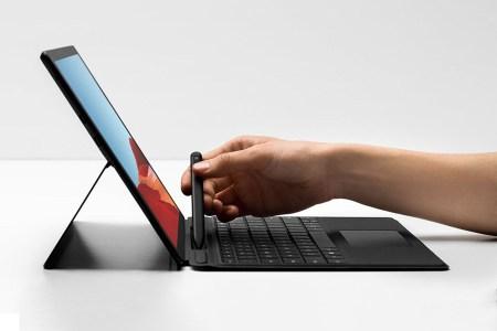 Сверхлегкий и сверхтонкий 13-дюймовый планшет Microsoft Surface Pro X получил достаточно емкий аккумулятор