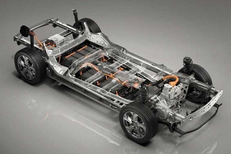 На Токийском автошоу представили серийный электрокроссовер Mazda MX-30 с мощностью 105 кВт, батареей 35,5 кВтч и запасом хода порядка 200 км по цене от €34 тыс.