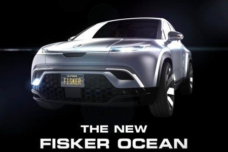 Хенрик Фискер открыл предзаказы на электрокроссовер Fisker Ocean. Модель с батареей 80 кВтч и запасом хода 400-500 км можно будет купить в лизинг за $379/мес