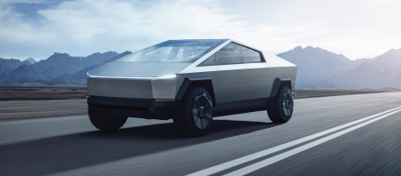 Илон Маск объяснил, почему у Tesla Cybertruck именно такой дизайн (все из-за сверхпрочной стали). Объем заказов уже превысил 200 тыс.! - ITC.ua
