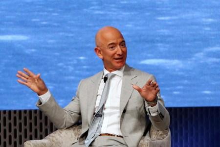Глава Amazon Джефф Безос призвал IT-компании сотрудничать с Пентагоном