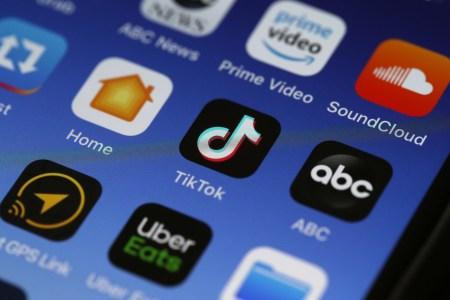 Служащим ВМС США запретили устанавливать TikTok на служебные смартфоны