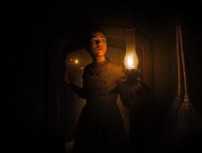 Злая ведьма откармливает еще ничего не подозревающих детей в полноценном трейлере хоррора Gretel and Hansel