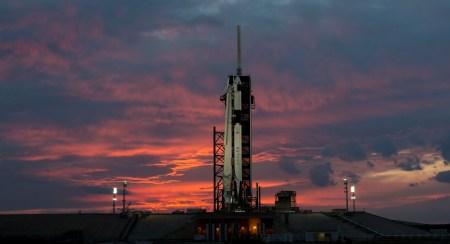 Прямая трансляция испытаний системы аварийного спасения корабля SpaceX Crew Dragon в полете [Завершено]