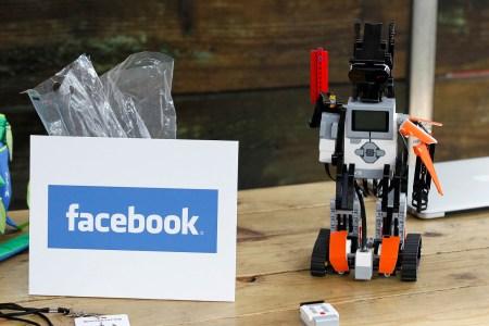Новый ИИ-алгоритм Facebook позволяет роботам эффективно ориентироваться без использования карт