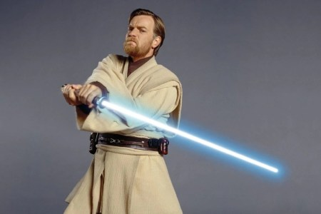 Disney уволил сценариста и приостановил съемки ТВ-сериала об Оби-Ване Кеноби с Юэном Макгрегором (по слухам, из-за сходства сюжета с «Мандалорцем»)