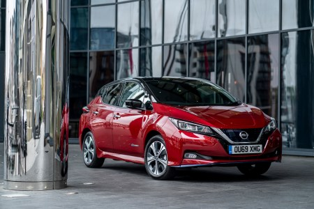 Nissan и Uber договорились о поставках электромобилей Leaf по специальной цене для водителей сервиса в Лондоне
