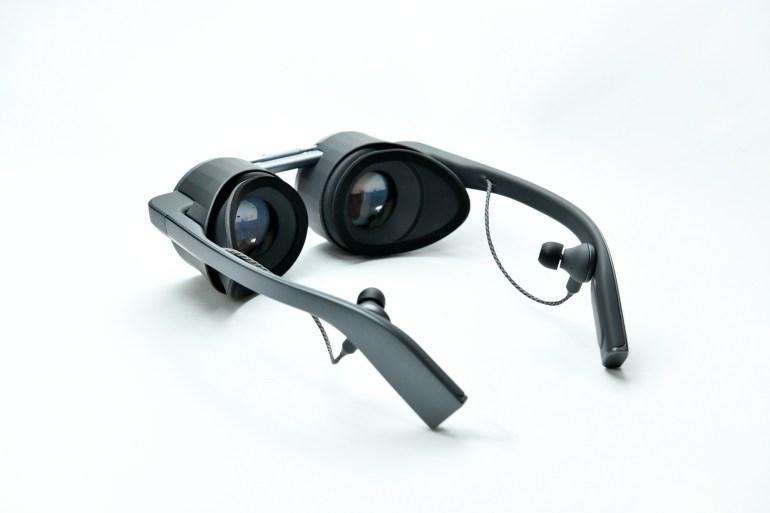 Panasonic представила прототип собственных VR-очков с необычным дизайном