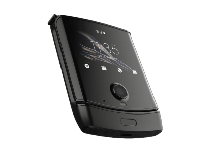 Motorola Razr с гибким экраном грозит дефицит. Первая партия устройств распродана в США за сутки, а срок поставки увеличился на 12 дней
