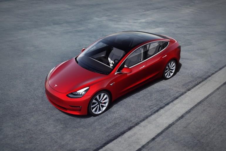 Продажи электромобиля Nissan Leaf за 9 лет превысили отметку 450 тыс. штук (но Tesla Model 3 уже продалась большим тиражом за 2,5 года)