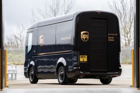 Курьерская служба UPS будет использовать беспилотники Waymo и электрофургоны Arrival для доставки заказов в США и Европе