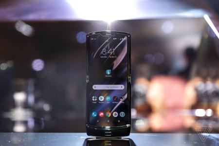 Новый Motorola Razr с гибким экраном начнет продаваться с 6 февраля
