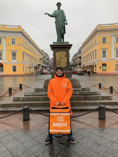 Украинский сервис доставки еды Raketa покрыл все пять городов-миллионников, а до конца 2020 года обещает запуститься в большинстве областных центров