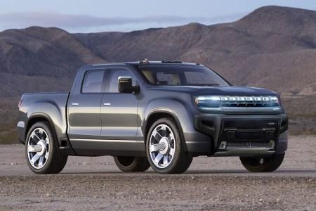 General Motors отложил премьеру электромобиля GMC Hummer EV, назначенную на 20 мая, и опубликовал новый видеотизер модели