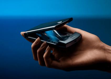 В Украине стартовал предзаказ на смартфон-раскладушку с гибким экраном motorola razr по цене 50 тыс. грн