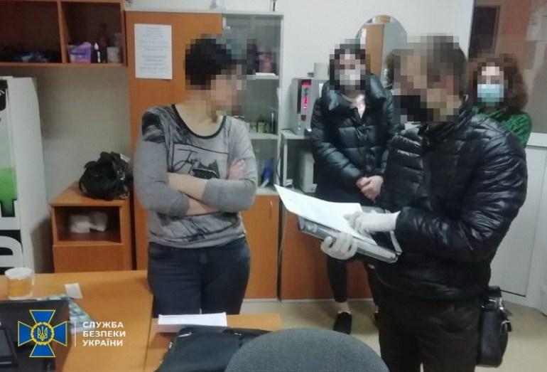 В Черкасской области колл-центр обслуживал «Яндекс.Такси», его закрыла СБУ