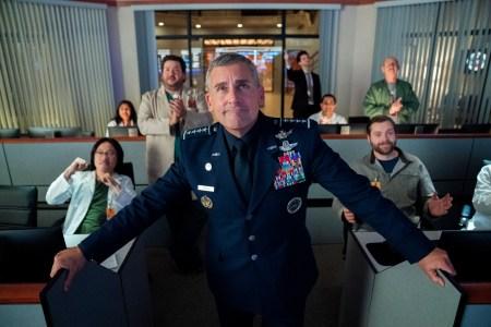 Фотогалерея дня: Стив Карелл, Джон Малкович и другие в комедийном сериале Space Force / «Космические силы» от создателя «Офиса» и Netflix (премьера 29 мая 2020 года)