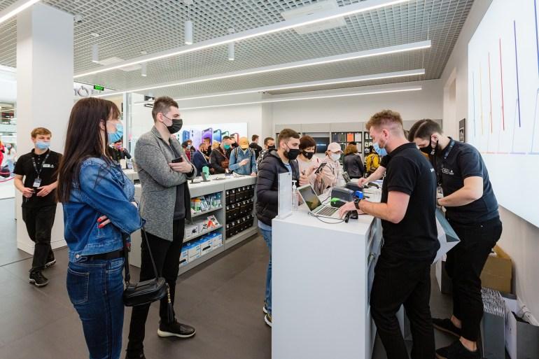 У ТРЦ Retroville відкрився другий магазин iOn зі статусом Apple Premium Reseller