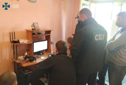 СБУ задержала в Ивано-Франковске известного хакера Sanix, который пытался продать базу данных с 773 млн адресов электронной почты и 21 млн паролей к ним
