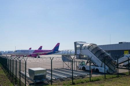 Украина открывает авиасообщение. С 5-го июня внутреннее, а с 15-го — международное