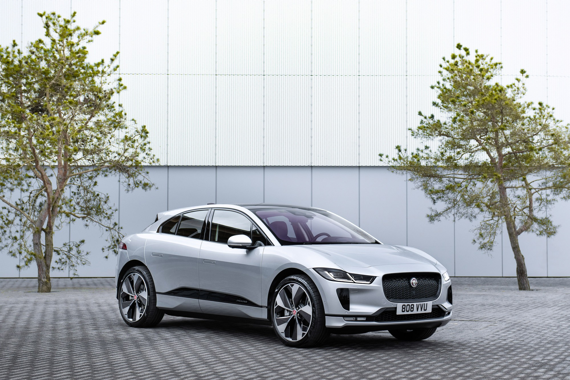 В Осло построят сеть беспроводных зарядок для электрических такси первыми участниками проекта Electri City станут электрокроссоверы Jaguar I-Pace
