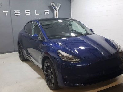 Начались поставки Tesla Model Y за пределами США