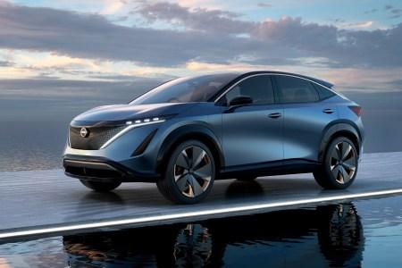 Серийную версию электрокроссовера Nissan Ariya представят 15 июля 2020 года, она должна получить запас хода порядка 500 км
