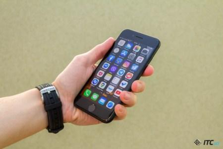 На iPhone SE (2020) в прошлом квартале пришлась пятая часть продаж всех iPhone в США, еще 65% продаж обеспечила троица iPhone 11