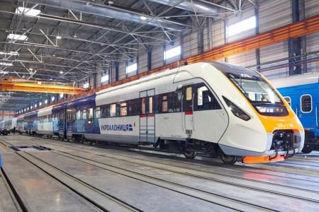 Кабмин Украины поддержал пилотный проект по внедрению электронного билета на всех видах транспорта, включая общественный, ЖД, авиа, автобусы и др.