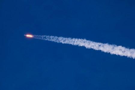 Ракета Falcon 9 вывела на орбиту спутник Columbus GPS III. Это первая миссия SpaceX в интересах Космических сил США