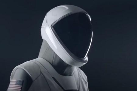 SpaceX рассказала, как создавался футуристический скафандр для пилотируемого корабля Crew Dragon [Видео]