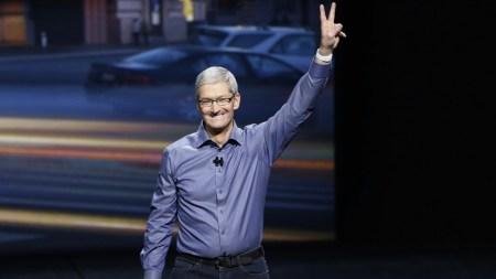 Bloomberg: Тим Кук стал миллиардером на фоне роста капитализации Apple — она почти достигла $2 трлн