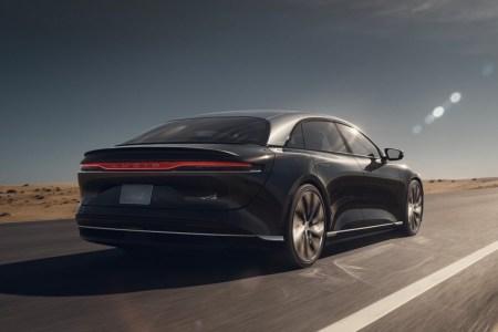 Больше 800 км на одном заряде. Lucid Air готовится отобрать у Tesla Model S титул самого «дальнобойного» электромобиля