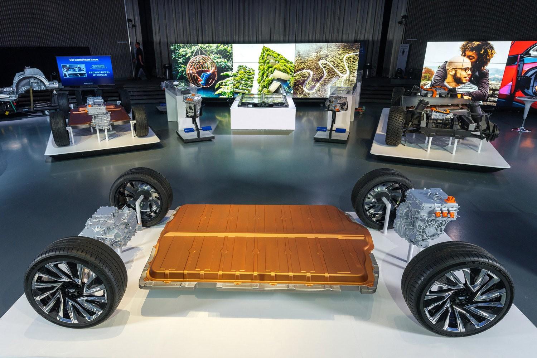 General Motors представил Ultium Drive - фирменное семейство из пяти модулей и трех двигателей для новых электромобилей - ITC.ua