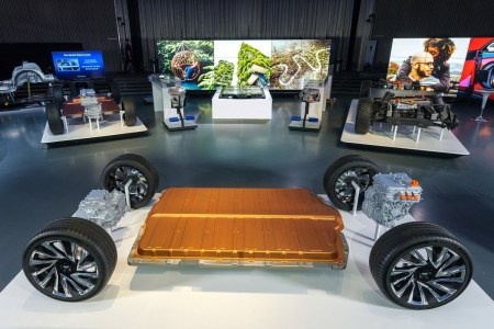 General Motors представил Ultium Drive — фирменное семейство из пяти модулей и трех двигателей для новых электромобилей