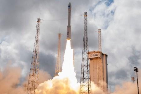 Сегодня ночью прошел 15-ый успешный запуск европейской ракеты Vega с украинским двигателем [видео]