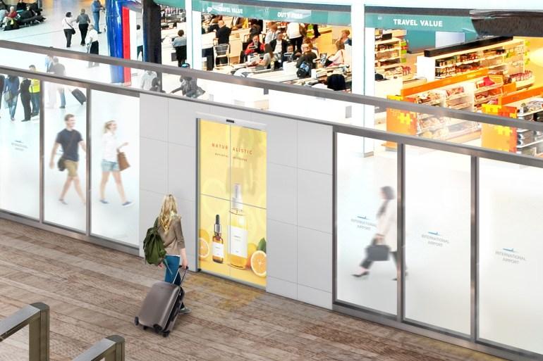 LG разрабатывает раздвижные двери, созданные из прозрачных OLED-дисплеев