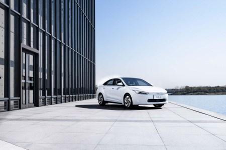 Квантовый скачок Лукашенко: В Беларуси хотят отказаться от машин с ДВС раньше европейских стран