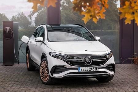 Электрокроссовер Mercedes-Benz EQA представлен официально: мощность 140-200 кВт, батарея на 66,5 кВтч, запас хода почти 500 км и ценник от €39,9 тыс.