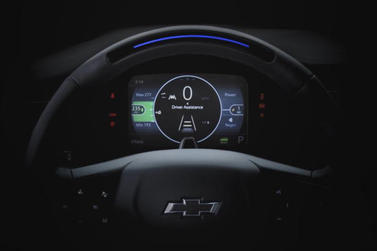 Chevrolet представит обновленный электромобиль Bolt EV и новый электрокроссовер Bolt EUV уже в феврале [тизер]