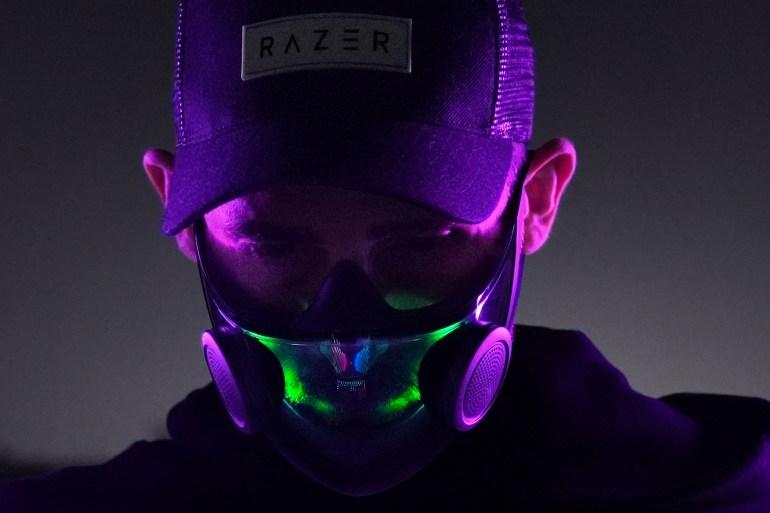 Razer показала «самую умную» многоразовую маску N95 — со встроенным громкоговорителем и (ну разумеется!) подсветкой Chroma RGB