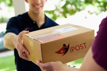 «Нова пошта» придбала український кур'єрський сервіс iPost