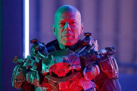 Брюс Уиллис снялся в очередной ужасной фантастике «Cosmic Sin» / «Космический грех», фильм выйдет сразу в цифре 12 марта 2021 года [трейлер]