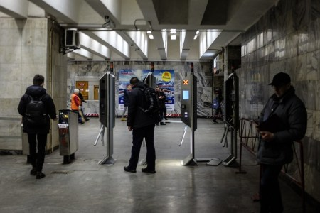 КМДА: На «Контрактовій площі» замінюють турнікети на нові з підтримкою усіх сучасних способів оплати (один з вестибюлів станції не буде працювати 9-13 лютого)